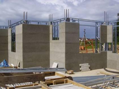 Особенности монолитного строительства домов