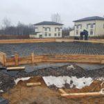 Строительство загородного дома из газобетона под ключ. Плита фундамента, армирование.