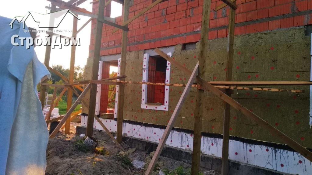 Правильное утепление фасадов коттеджа из кирпича минеральной ватой и пеноплексом