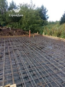 Строительство фундамента загородного дома, армирование плиты фундамента