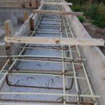 Опалубка и армирование армопояса загородного дома из газобетона