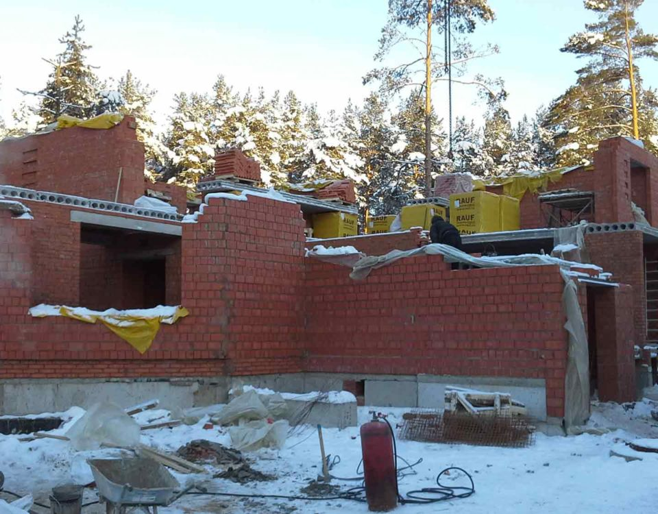 Строительство загородного дома или коттеджа зимой