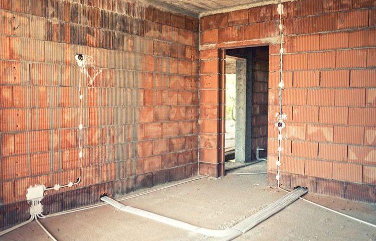 Монтаж электропроводки в кирпичном доме