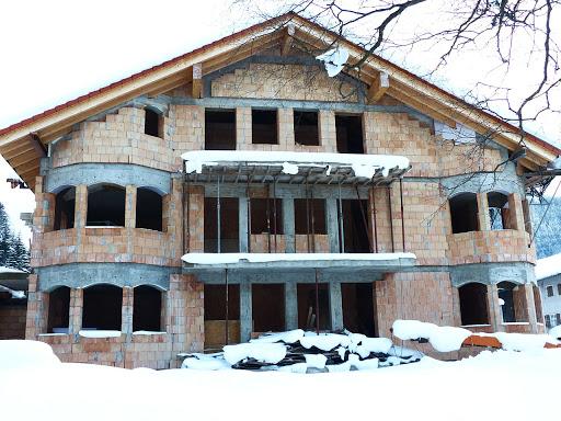 Можно ли строить дом осенью и зимой? Отвечаем на банальные вопросы о строительстве коттеджей в не самые популярные для этого времена года